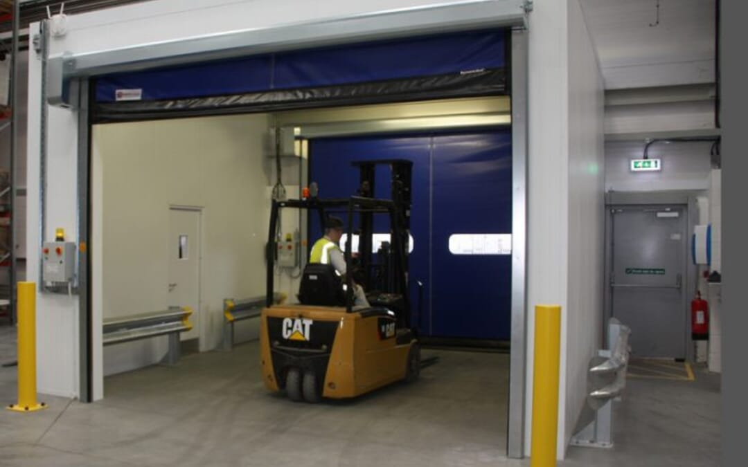FOUR PROVEN WAYS TO PROTECT HIGH-TRAFFIC INDUSTRIAL DOORS AGAINST DAMAGE